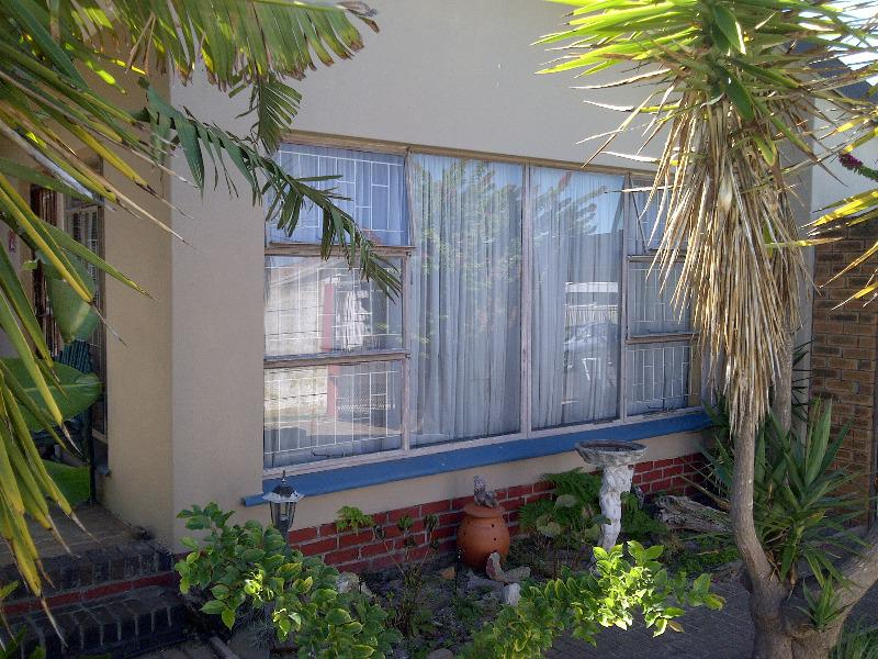 House For Sale in Bellville, Bellville