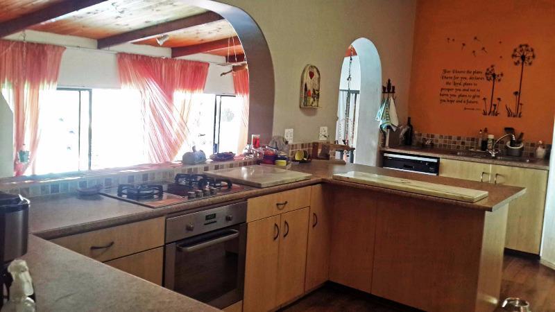 Property For Sale in La Rochelle, Bellville 8