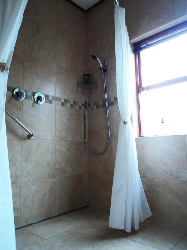 Property For Sale in La Rochelle, Bellville 20