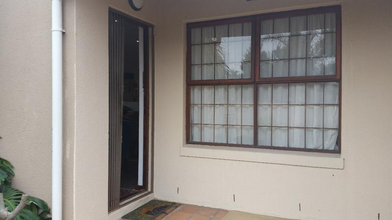 Property For Sale in Oakglen, Bellville 3