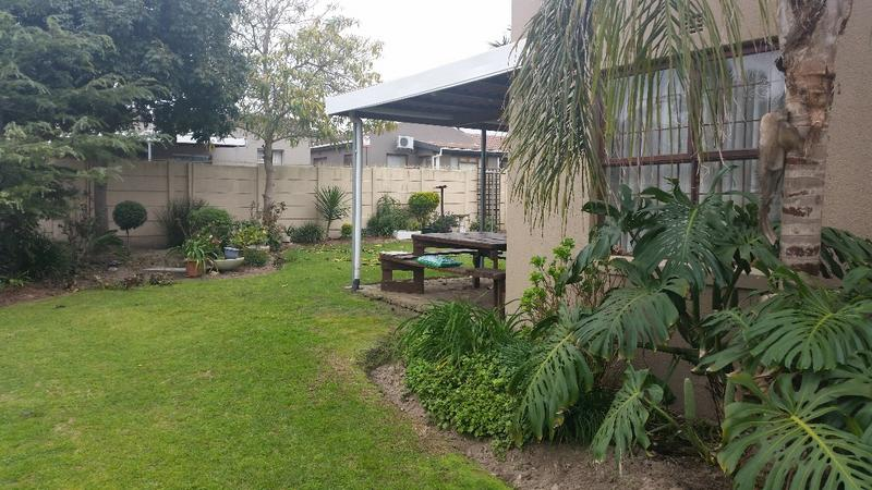 Property For Sale in Oakglen, Bellville 23