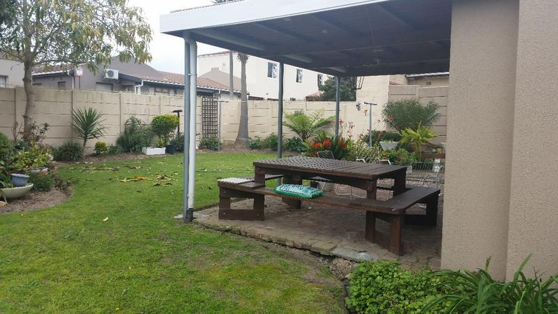 Property For Sale in Oakglen, Bellville 6