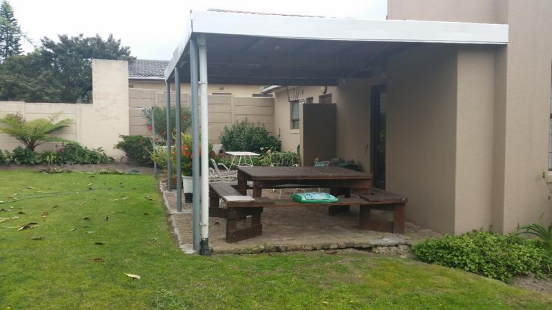 Property For Sale in Oakglen, Bellville 24