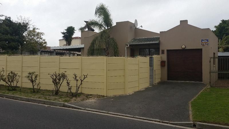 Property For Sale in Oakglen, Bellville 1