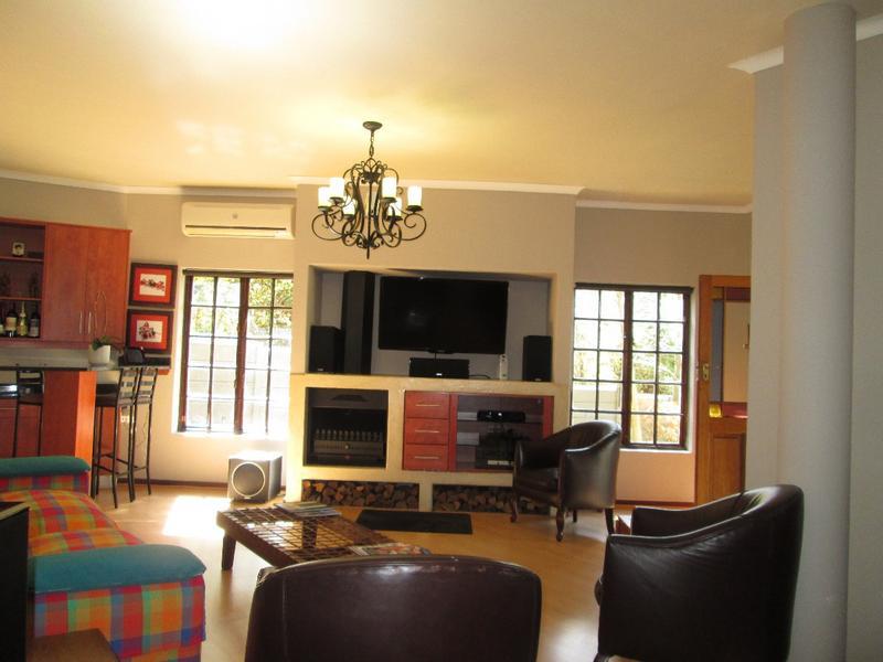 Property For Sale in Vierlanden, Durbanville 9