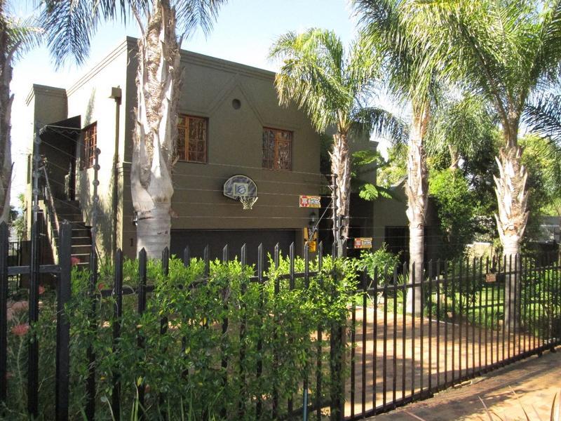 Property For Sale in Vierlanden, Durbanville 2