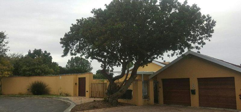 Property For Sale in La Rochelle, Bellville 2