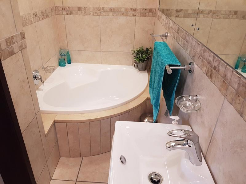 Property For Sale in Blomtuin, Bellville 17