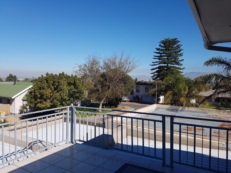 Property For Sale in Blomtuin, Bellville 19