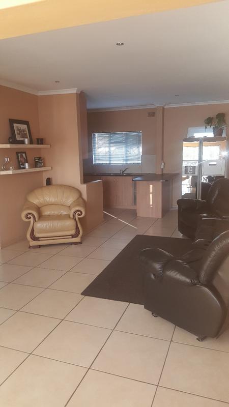 Property For Sale in Oakglen, Bellville 5