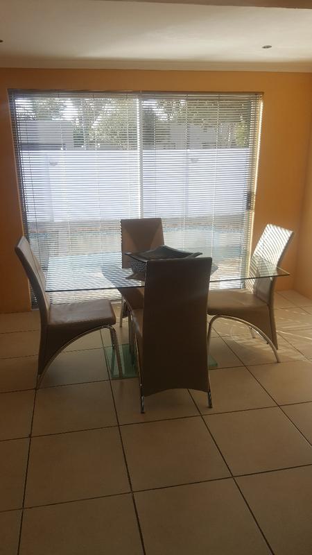Property For Sale in Oakglen, Bellville 9