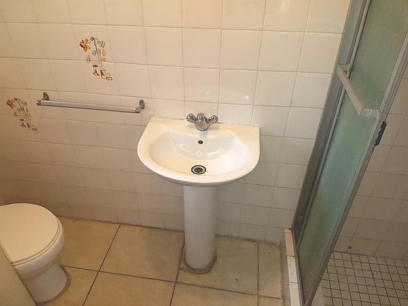 Property For Sale in La Rochelle, Bellville 17