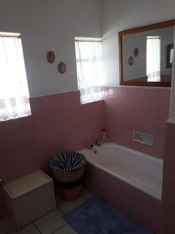 Property For Sale in Parow, Parow 15