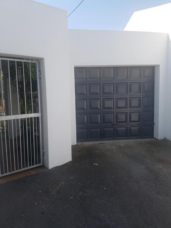 Townhouse For Sale in De La Haye, Bellville