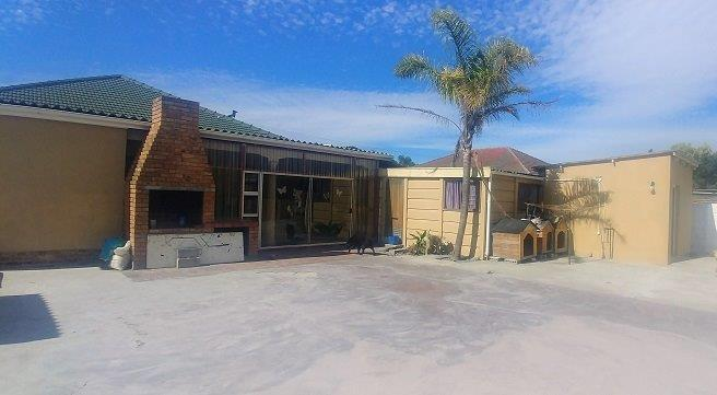 Property For Sale in Parow, Parow 23