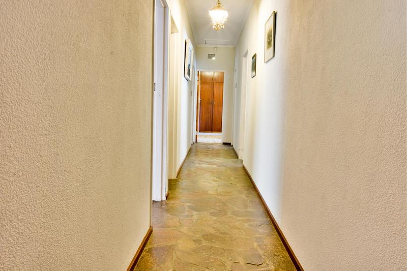 House For Sale in Blomtuin, Bellville