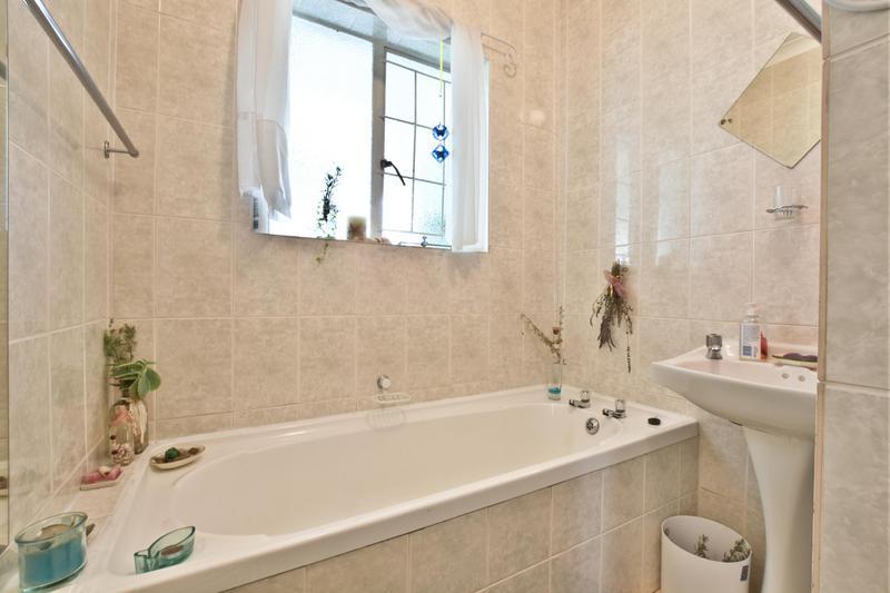 Property For Sale in De La Haye, Bellville 16