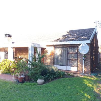 Townhouse For Sale in Stellenridge, Bellville