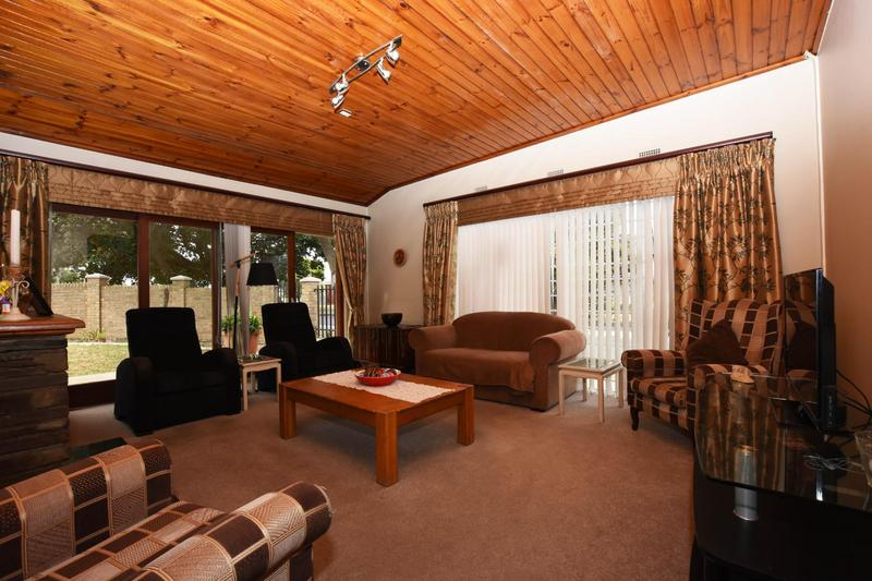 Property For Sale in Blomtuin, Bellville 5