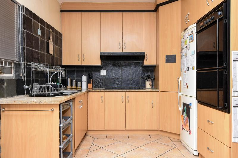 Property For Sale in Blomtuin, Bellville 13