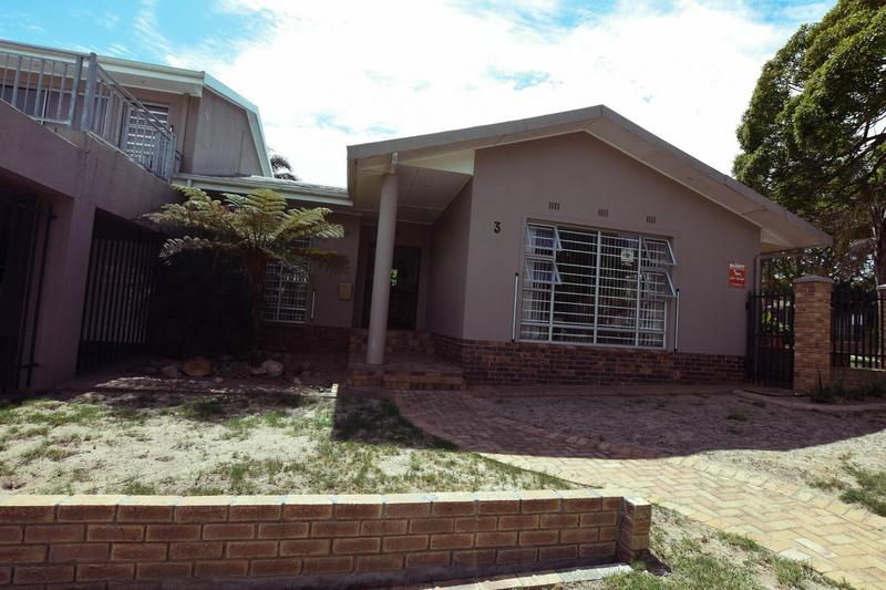 Property For Sale in Blomtuin, Bellville 46
