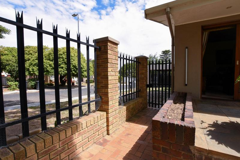 Property For Sale in Blomtuin, Bellville 52