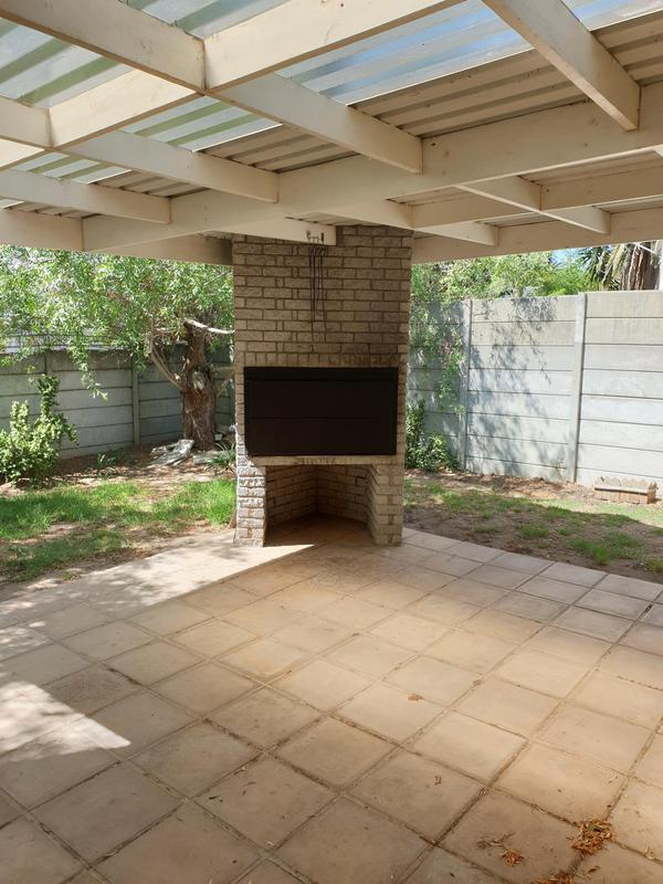 Property For Sale in Goedemoed, Durbanville 15